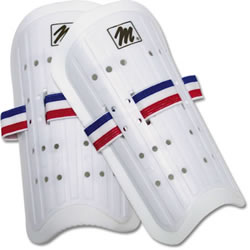 "MacGregor Plastic Shin Guards - Youth 7"" (PR) MCSG7WHS"